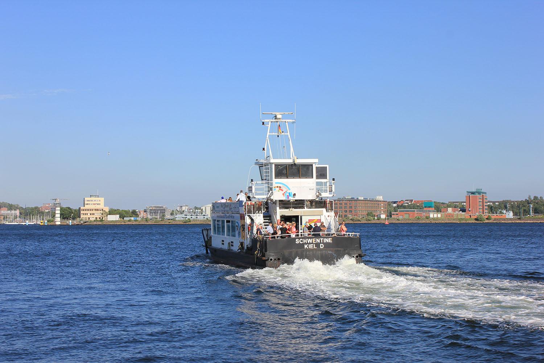 Die Fährverbindung zwischen der Fach Hochschule Kiel und dem Westufer.